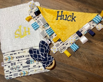 Personalized feather and arrow baby blanket and burp cloth gift set