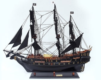 """Black Pearl Wooden Model Ship Size 34"""" - Pirates of the Caribbean Model ship"""