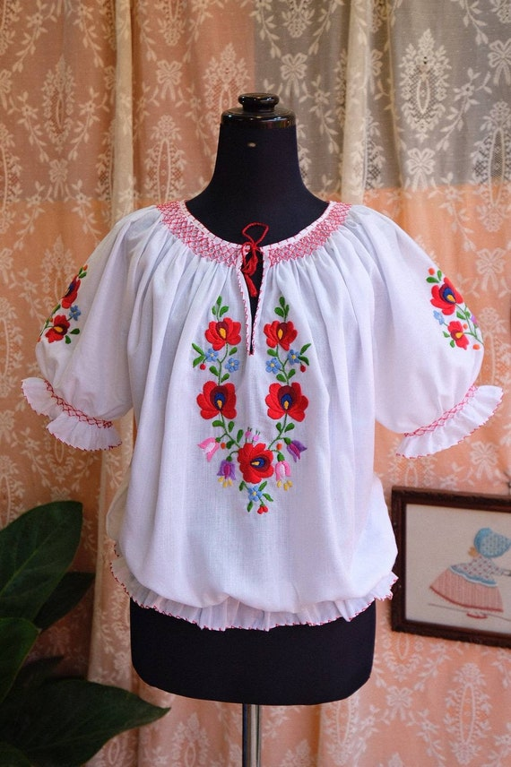 Hand embroidered Hungarian 1990's. - image 2