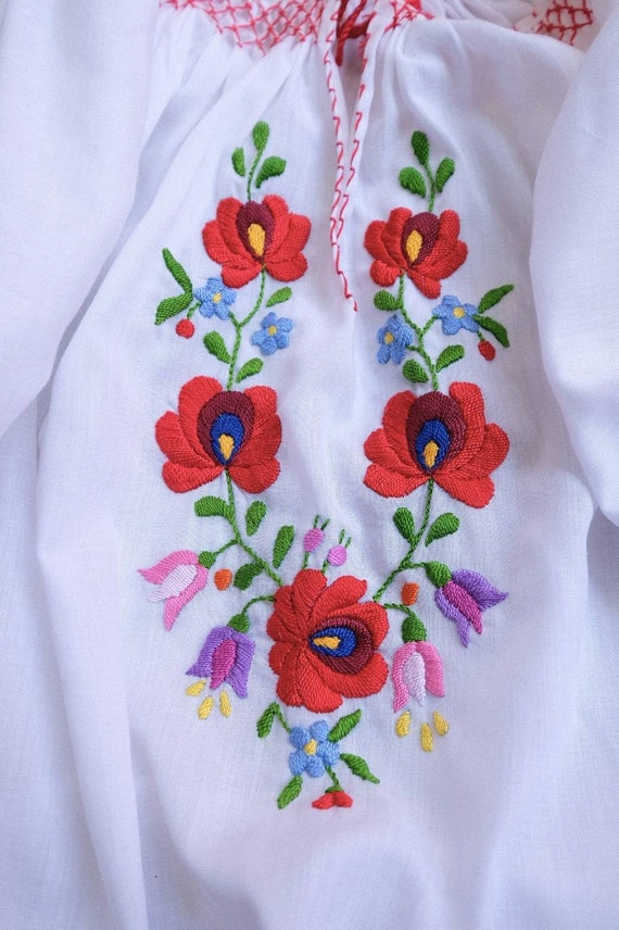 Hand embroidered Hungarian 1990's. - image 3