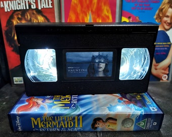Upcycled Retro VHS Haunting of Hill House Night Light Table Lamp. Horror Halloween Scary Movies TV. Multiple Designs Available. Gift.