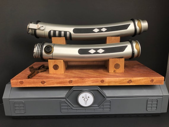 Dual Saber Stand
