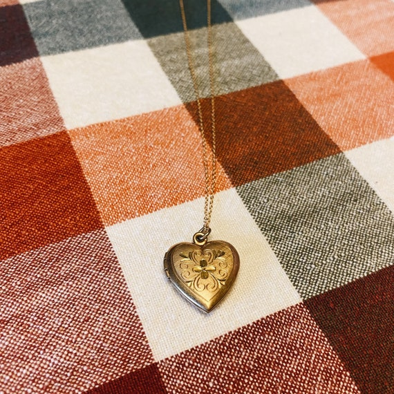 Vintage 1940s Heart Locket