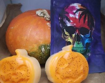 2x Pumpkin spice Wax Melts in skull bag