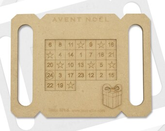 Wooden game with pentaminos, Christmas Advent