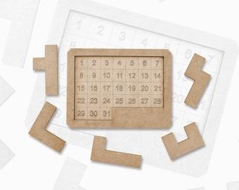 Wooden game with pentaminos, Calendar