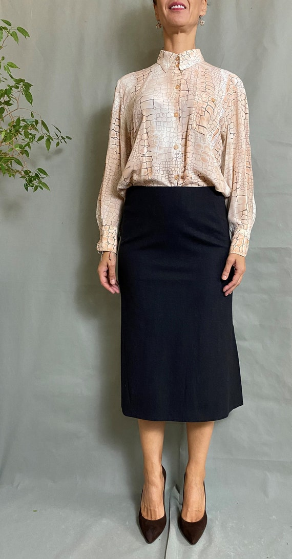 Vintage silk shirt for women size M, Beautiful pri