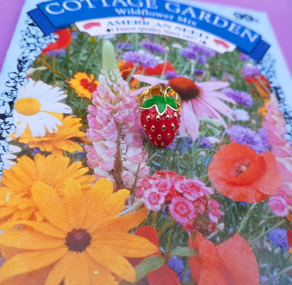 Adorable Tiny Strawberry Brooch ~ Little Strawber… - image 5