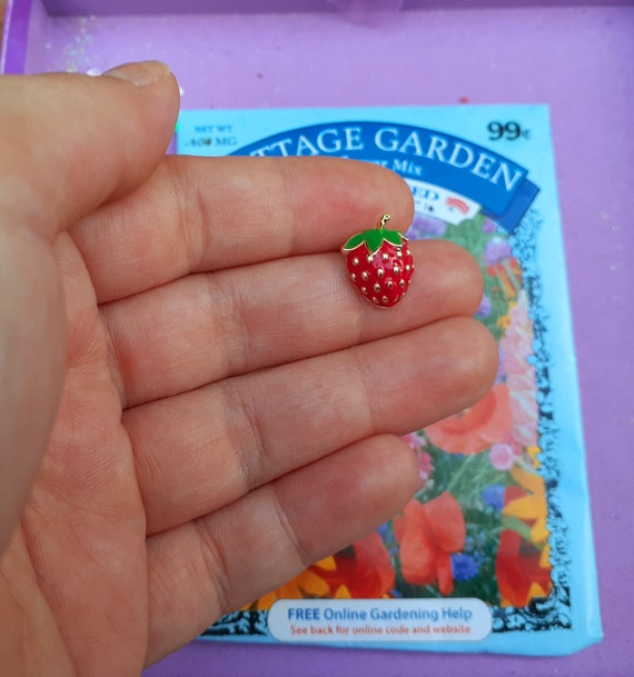 Adorable Tiny Strawberry Brooch ~ Little Strawber… - image 6