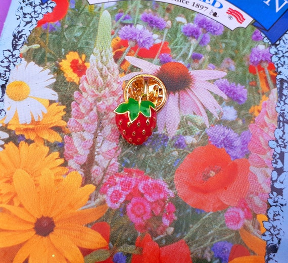 Adorable Tiny Strawberry Brooch ~ Little Strawberr