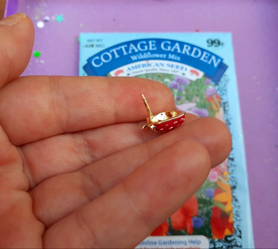 Adorable Tiny Strawberry Brooch ~ Little Strawber… - image 4