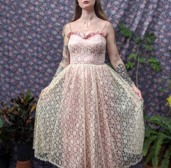 1950's Beautiful Lace Party Dress / 50's pink part