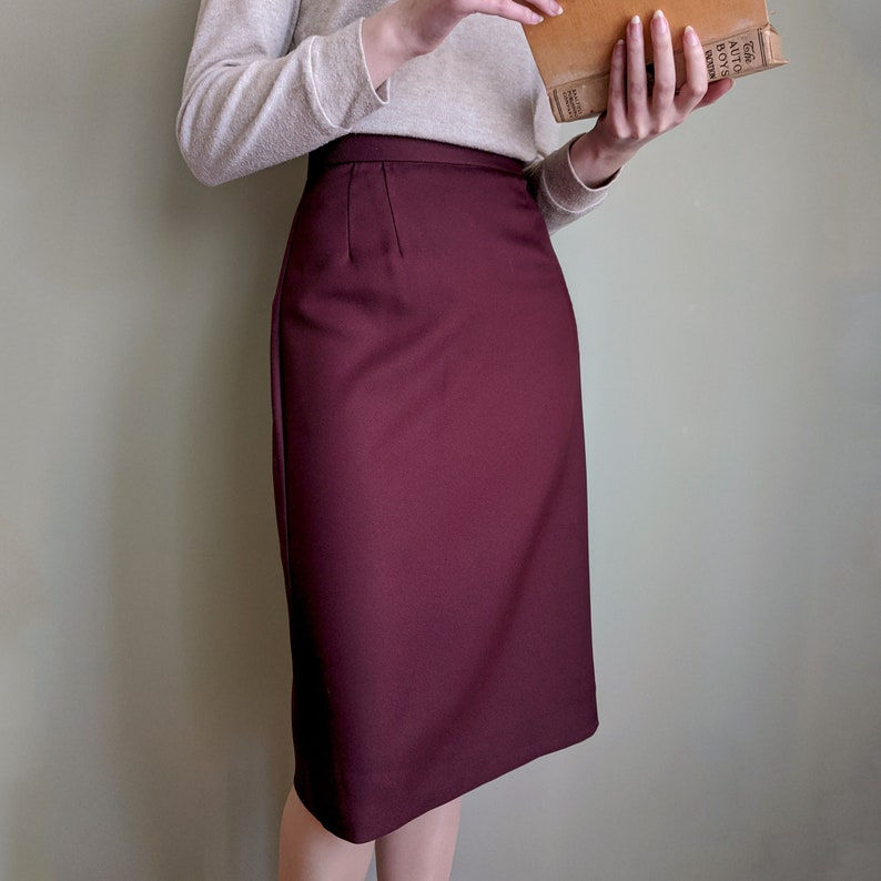 1950s Swing Skirt, Poodle Skirt, Pencil Skirts Pencil Skirt Vintage-Style 1940s 1950s Handmade in Canada Pockets Various Colours Custom Size $68.50 AT vintagedancer.com