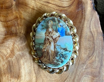 Unique Vintage Limoges-Style Renaissance Scene Brooch Pin Courting Couple with Gold Tone Frame