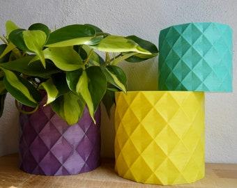 Geometric Diamond Pattern Plant Pot - Plant based plastic - Eco - SEVERAL COLOURS - 3D Printed - Planter  - Present - 12cm 9cm 5cm