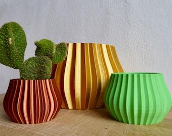 Fluted Vase Shaped Geometric Plant Pot - Plant based plastic - Eco - SEVERAL COLOURS - 3D Printed - Planter - Present - 12cm 9cm 5cm