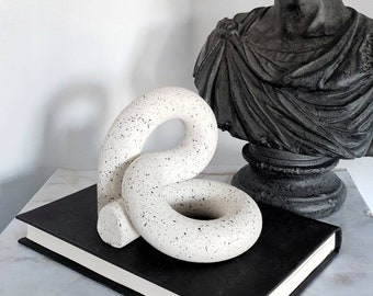 Double loop sculpture | Arch sculpture | Clay decor | coffe table decor | Decorative object | Shelf decor | modern home decor | home gifts