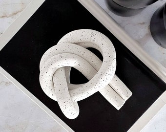 Clay Knot decor | knotted object | decorative knot | shelf decor | Minimalist decor | modern home decor | decorative object | gift | Canada