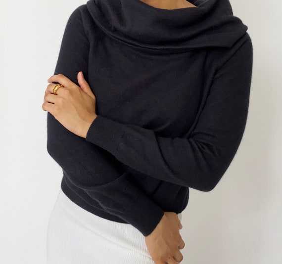 Vintage '90s Wide Neck Sweater Top