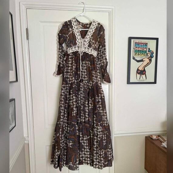 70s Vintage Batik Print Gunne Sax Prairie Dress - image 1