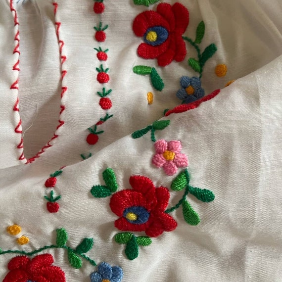Vintage Hungarian Embroidered Peasant Blouse - image 9