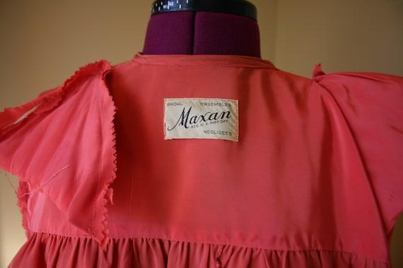 1940s Salmon Maxan pegnoir robe negligee - image 3