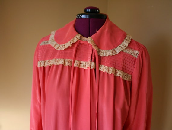 1940s Salmon Maxan pegnoir robe negligee - image 1