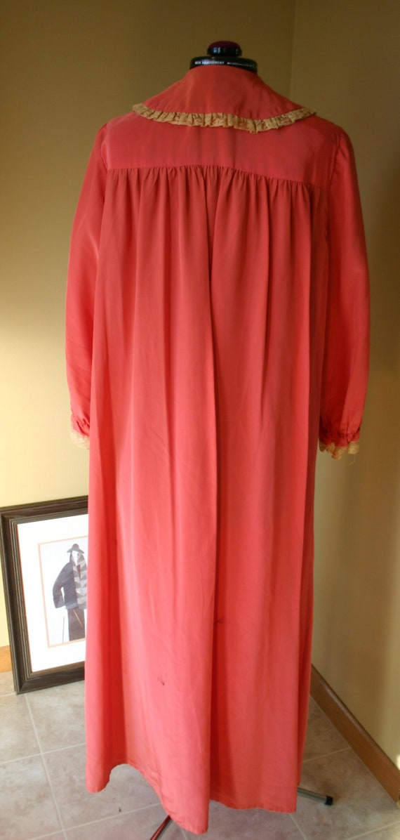 1940s Salmon Maxan pegnoir robe negligee - image 4