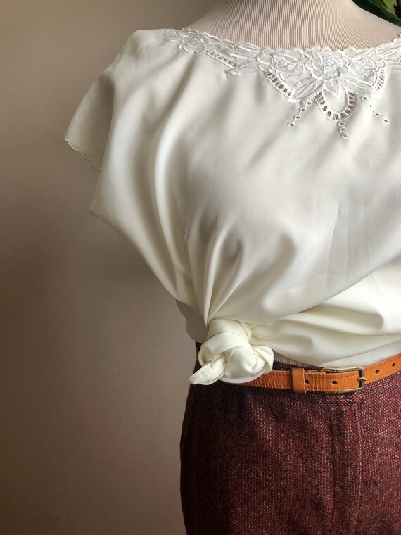 wool cranberry trousers - image 2
