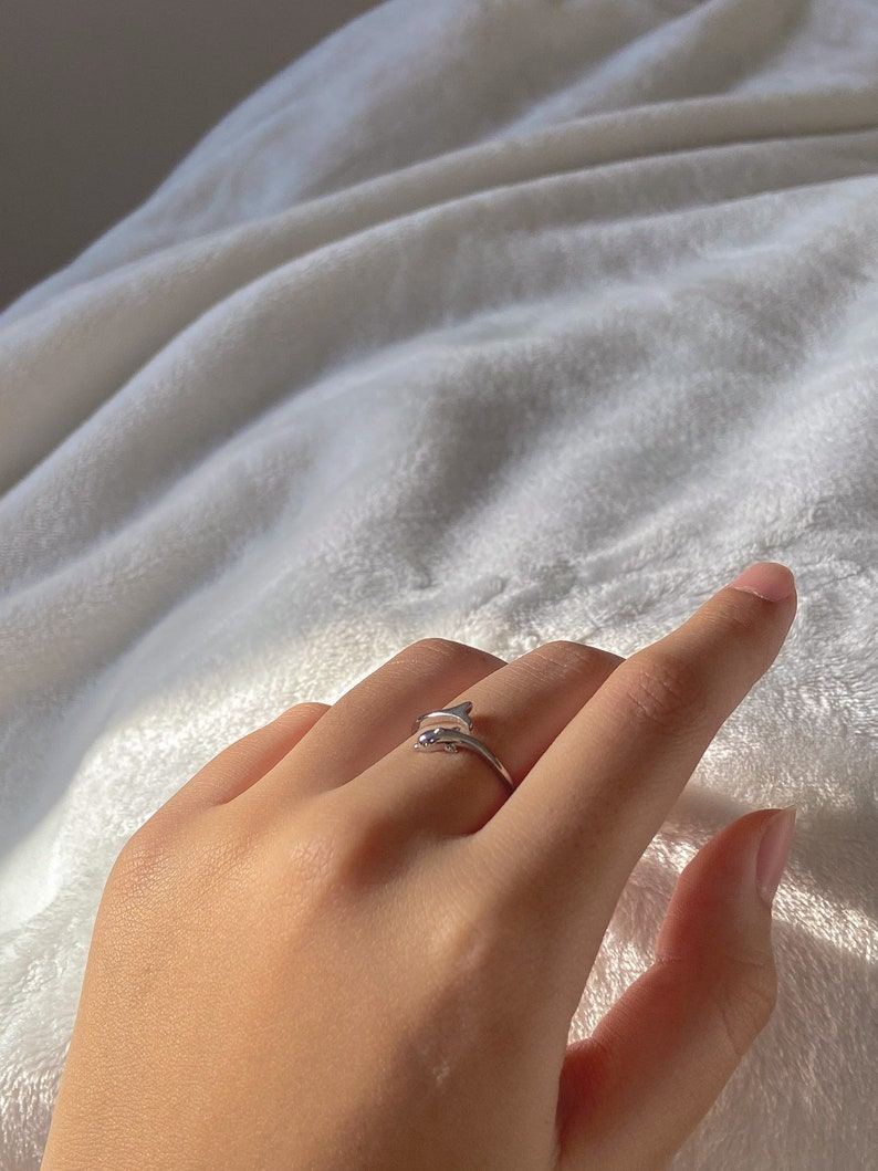 Silver Dolphin Tale Ring