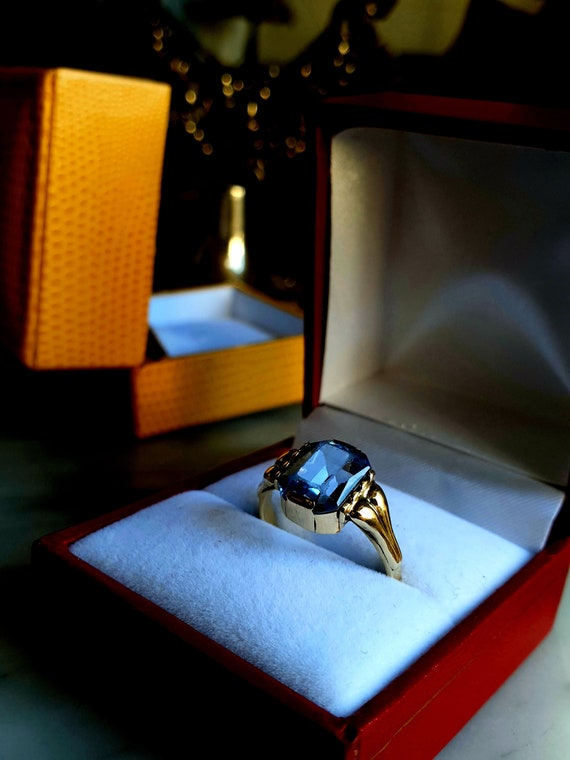 Art-Deco 14ct Golden ring with Topaz