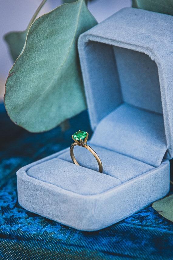 Green Crystal | 14k Gold | Vintage Solitaire