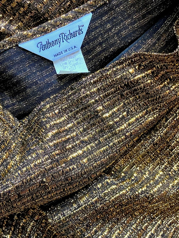 Sparkly Stretchy Gold Puffed Shouldered Cropped T… - image 7