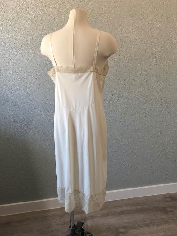 Vintage Van Raalte Full Slip, White Lacy Full Dre… - image 4
