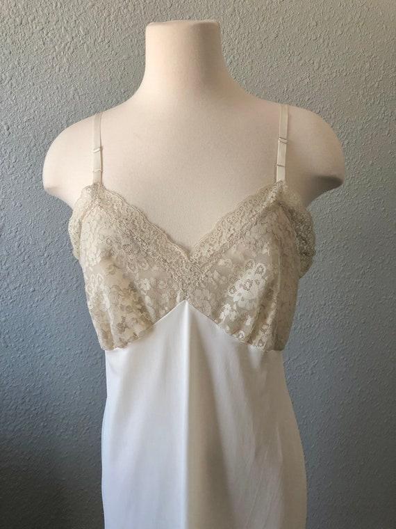 Vintage Van Raalte Full Slip, White Lacy Full Dre… - image 2
