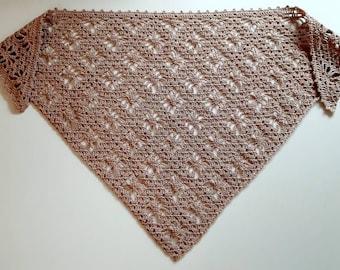 Elegant triangle neck scarf. Crochet beige cocoa triangle head scarf bandana. Cotton kerchief hair scarf pastel lace. Babushka scarf crochet