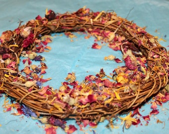 Forage Rattan Wreath Boredom Breaker Toy for Rabbits Guinea Pigs and Small Animals