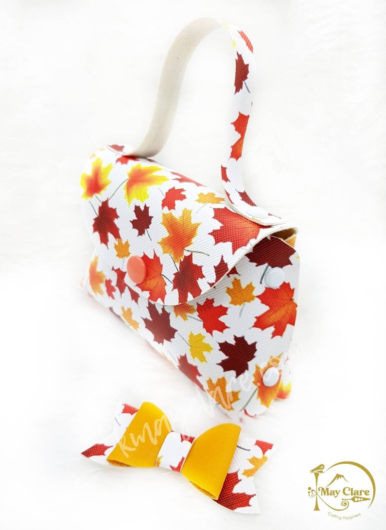 Unique Clay Centrepiece Leatherette Bow Autumn Leaves Yellow Fairy