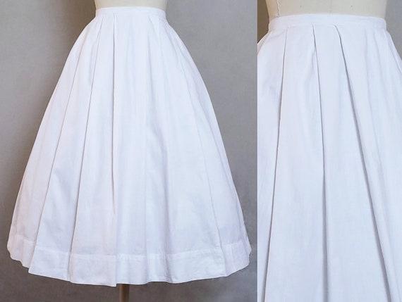 1950s XS Skirt White Pleated Full Skirt