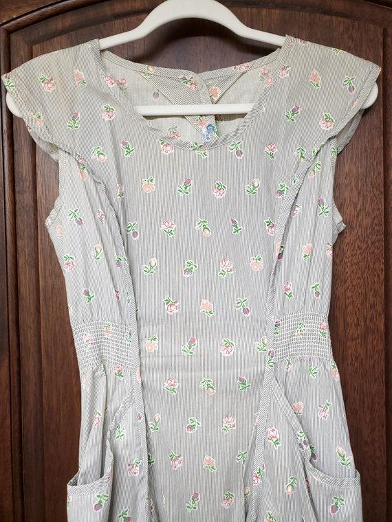 1940s Dress S Small Neat n' Tidy Apron Dress Swir… - image 3