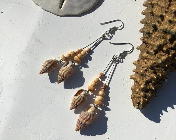 Vintage 90's Sea-shell and Wood Dangle Earrings