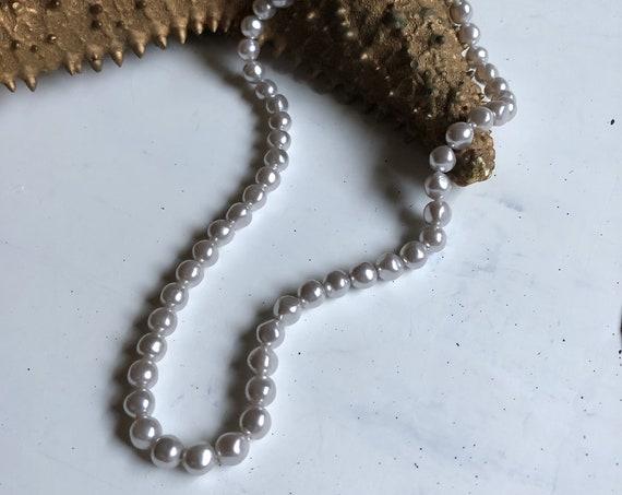 """Vintage 18"""" Grey Faux-Pearl Necklace"""