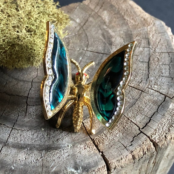 Vintage Gold-Tone Mother of Pearl Butterfly Brooch with Movable Wings