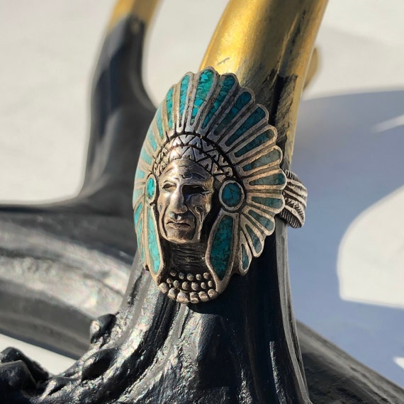 Vintage Southwest Style Headdress Silver and Turquoise Ring - Size 11