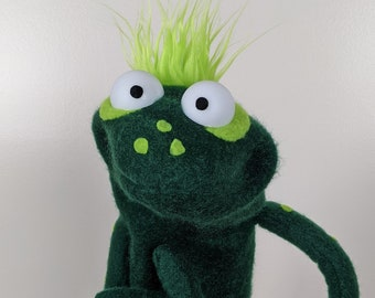 """UzzyWorks Professional """"Frog"""" Practice Puppet. Handmade by Justin H Piatt. Hand and rod """"Muppet-Style"""""""