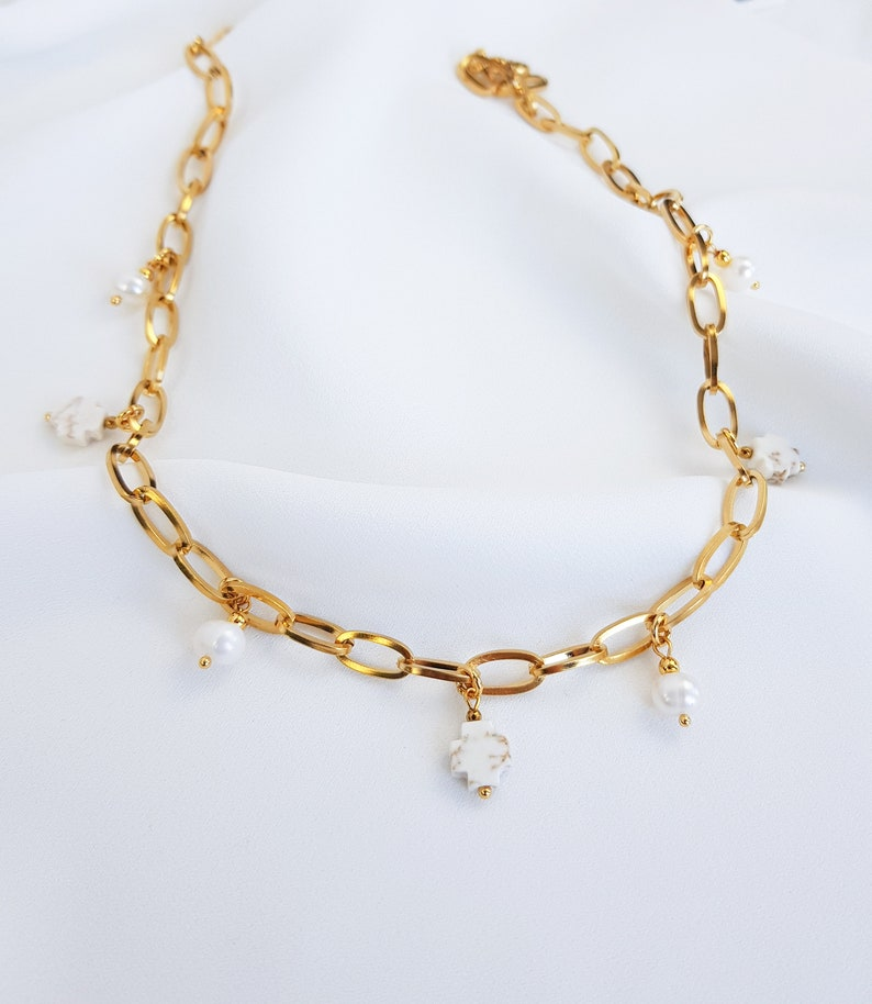 Dangling choker necklace Chunky gold necklace Droplet choker Small pearl pendant choker Paperclip chain necklace Dangling gem choker