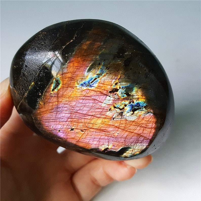 Polished Gemstone Stone Labradorite Crystal Healing AAA Natural Purple Flash Rainbow Labradorite Heart Crystal Pendant Palm Stone