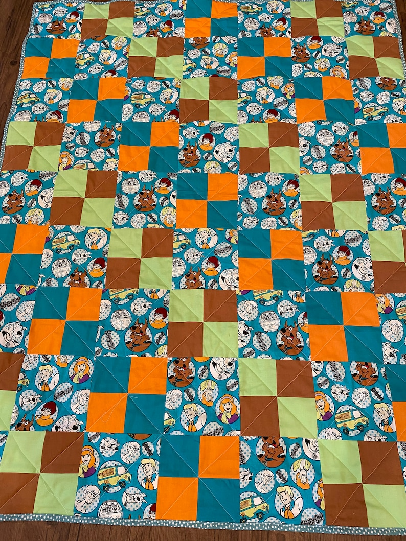 Scooby Doo and gang quilt, play quilt, lap quilt