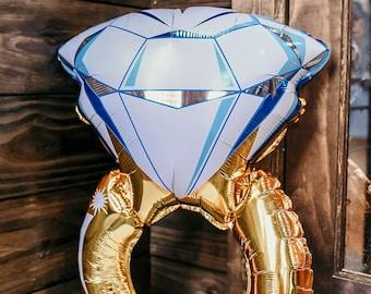 Oversized Diamond Ring Balloon