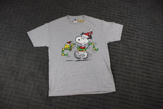 Vintage Charlie Brown Tee Shirt / Snoopy Graphic T